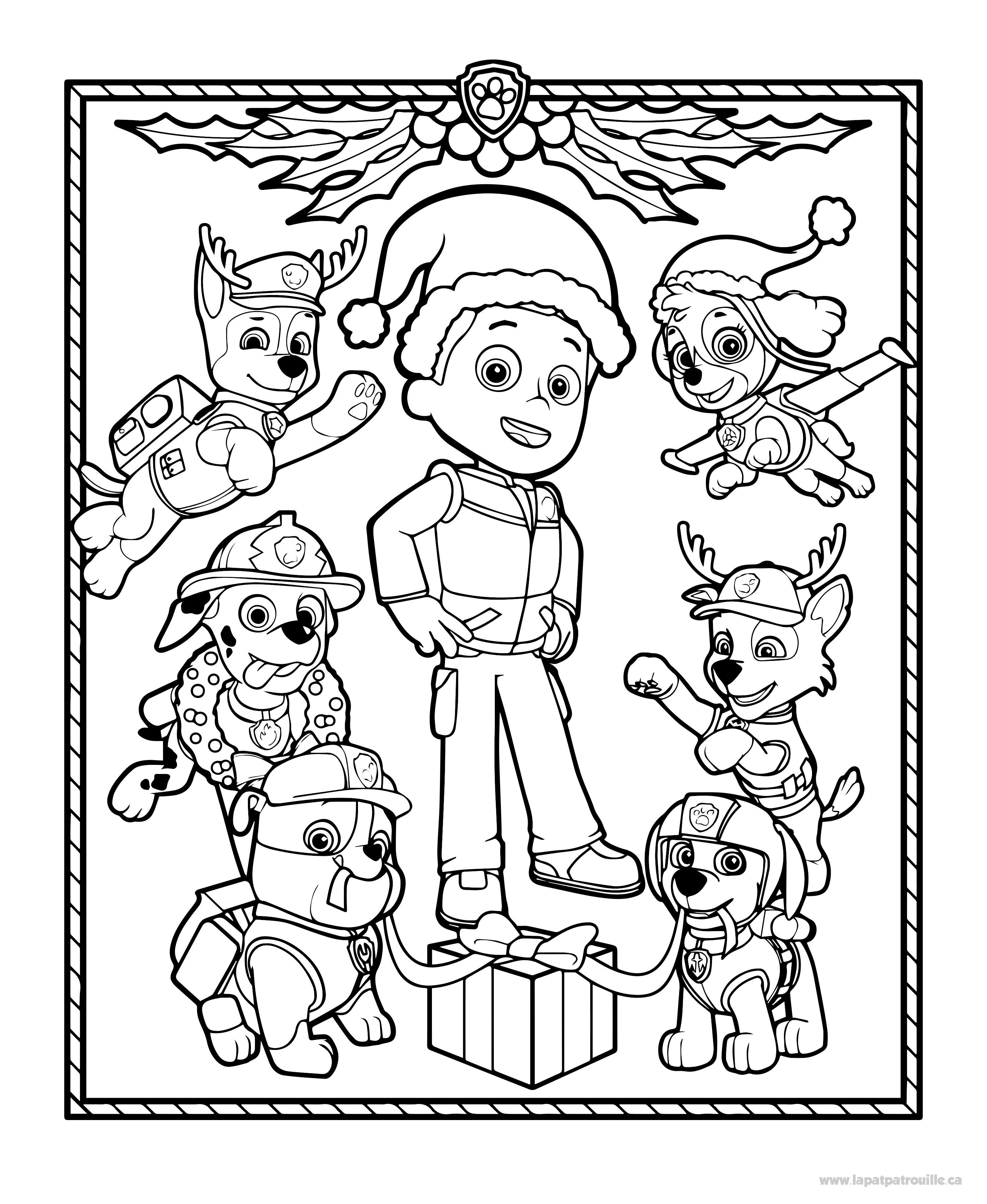 Coloriage de Les chiots de la Pat'Patrouille décorent pour Noël